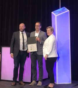 Shaun Heffernan receiving the Canadian Institute of Planners Award of Merit